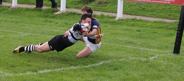 Liam Blackburn dives in for his 1st try of the game
